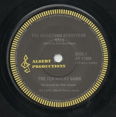 """THE TED MULRY GANG  Rare 1975 New Zealand Only 7"""" OOP Albert Single """"Darktown"""""""
