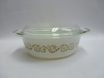 Vintage Pyrex White with Gold Scroll Vines 1-1/2 Quart Oval Casserole w/Lid 043
