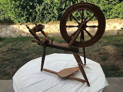 Ettrick Spinning Wheel - Excellent Condition
