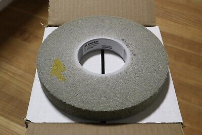"3M Scotch-Brite 8"" x 1"" x 3"" Unitized Deburring Wheel 8S Med Medium Silicon Carb"