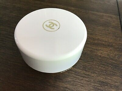 Vintage Chanel No 5 Bath Powder 8 oz Perfumed Dusting Powder Size 730 New York