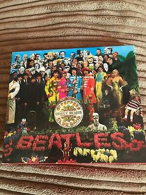 The Beatles - Sgt. Pepper's Lonely Hearts Club Band CD (With Booklet)