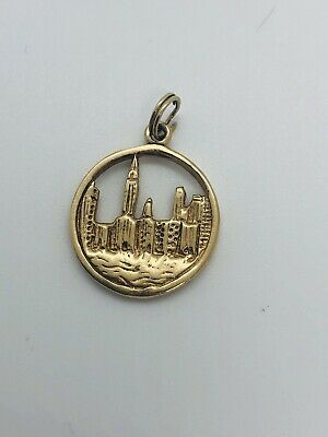 Estate Solid 14KT Yellow Gold New York City Skyline Round Charm Pendant