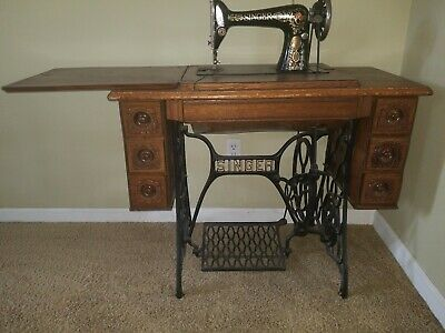 Antique Singer Treadle Sewing Machine 6 Drawers Cast Iron Legs 1920.