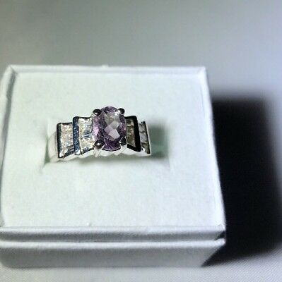 Stunning Ring Size 5 Silver Plated Lind Lavender Stone   Estate Jewelry