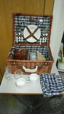Traditional Style Wicker Picnic Hamper with Plates, Cups, Glasses, Cutlery etc.