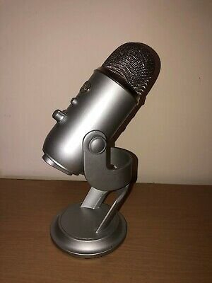 Blue Microphones Yeti USB Microphone - Silver + Headphones and pop filter
