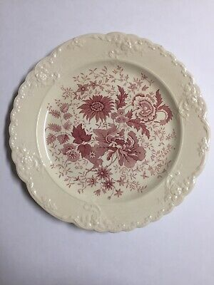 """Taylor Smith & Taylor Center Bouquet Red Garland Style Dinner Plate 10"""""""