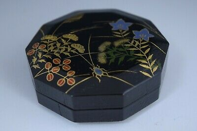 Japanese Lacquer Autumn Flowers Makie Incense Container. Kogo @ Tea Ceremony 106