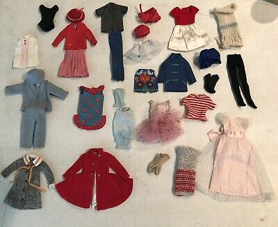 vintage barbie and skipper clothes with accessories