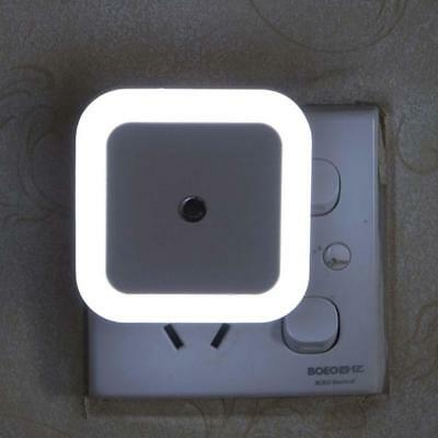 Plug In PIR Motion Sensor Hallway Socket White LED Night Light Safety Auto Nic