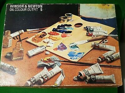 Vintage Windsor & Newton Oil Colour Outfit 5 complete with oil board paints