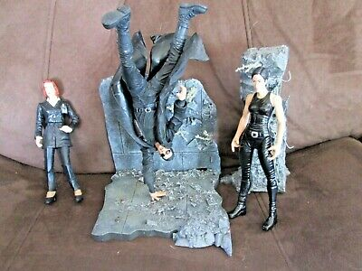 McFarlane Toys Action Figures MARTIX & X-FILES: Neo, Trinity, and Scully! Used