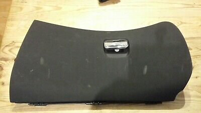 Alfa 147 glove compartment flap including hinge and catch