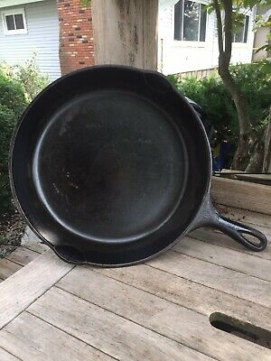 Old/Vintage Double Spout Wagner Ware Sidney Cast Iron Skillet, Pan