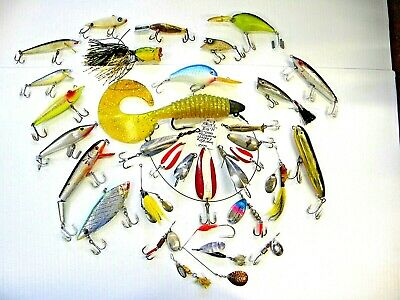LARGE Mixed Lot - 32 Vintage Fishing Lures - Lot Number: B2