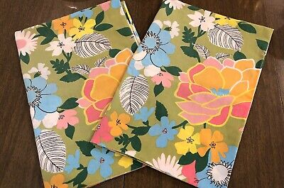 Vintage 70's Wondercale By Springmaid Multi Color Standard Pillow Cases 2 Flower