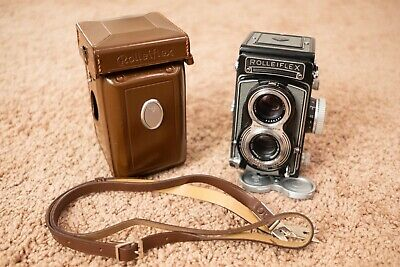 Rolleiflex 3.5 T 120 TLR Camera w/Carl Zeiss Tessar 3.5 Lens & Leather Case