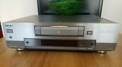 Sony DV Digital Video Cassette Recorder/Player With Pull Out Remote GWC Japan