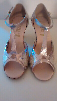 """Gold Ballroom Dance Shoes Size 5. By """"Ritz""""."""