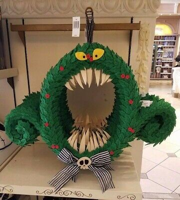 NEW The Nightmare Before Christmas Wreath Halloween Disney Decoration Parks NWT