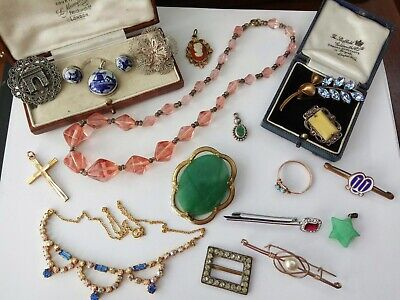 Beautiful collection of Vintage Art Deco Jewellery brooches necklaces Job Lot
