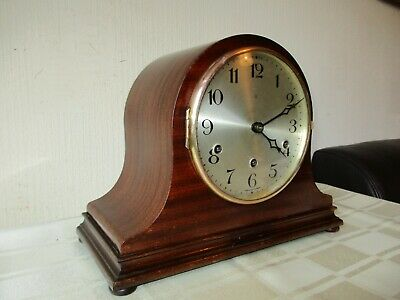 Vintage Chain Driven Westminster Chiming Mantle Clock ( Working ) .