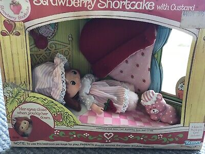 Strawberry Shortcake Sweet Sleeper Strawberry Shortcake Vintage Doll NRFB New