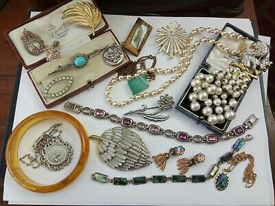 Art Deco & Vintage Jewellery brooches necklaces earrings buckle etc