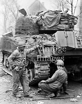 American US Army Soldiers WWII photo Sherman M1 Tank Europe France