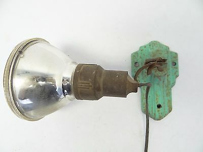 Industrial Green Old Metal Cast Iron Wall Mount Electric Working Spotlight Light
