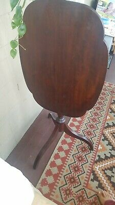 Antique Tilt top table. Mahogany wood. Great Condition! $150