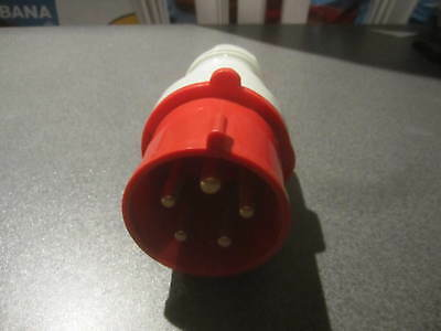 Stecker 230/400 V 32 A - 6 h  Walther
