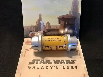 Yellow Kyber Crystal From Disney Star Wars Galaxy's Edge SEALED & Mystery Pin