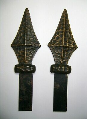 Antique Pair of Arts & Crafts Hammered Iron Metal Arrow Head Vintage Finials