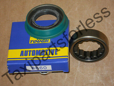 05-2011 crown victoria marquis town car usa axle shaft bearing /& seal /& lugs new
