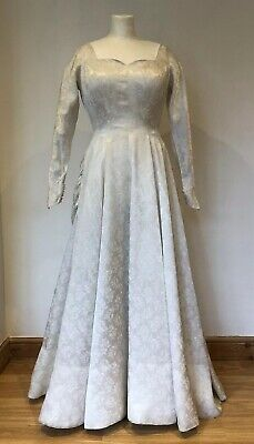 Pretty Vintage 1950s Bridal Wedding Dress with Bustle Off White Damask 8 10