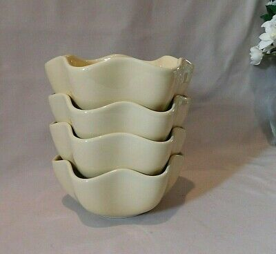 GAIL PITTMAN Butter Yellow Ruffled Bowls (Cereal or Soup) Set of 4 EUC