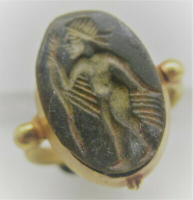 Superb Ancient Roman High Carat Gold Ring With Agate Hunter Intaglio 200-300Ad