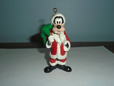 Collectibles Disney Christmas Ornament Goofy w/ Airplane Plane Jet & Gifts Presents Holiday