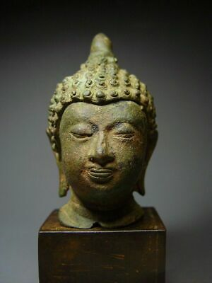 ANTIQUE BRONZE EARLY 'LANNA' STYLE CHIENGSAEN BUDDHA HEAD FRAGMENT.  17/18th C