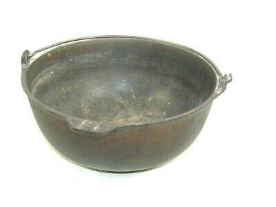 Antique Gate Marked no.8 Cast Iron Cowboy Camping Kettle Cooking Bean Pot