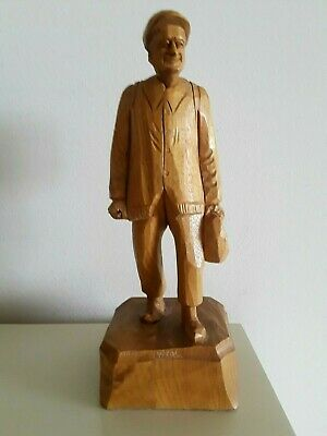 VTG Wood Carving Old Man walking with Backpack Caron Folkart Quebec Canada 11.5""