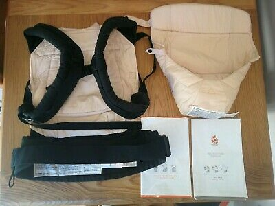 Ergobaby Carrier Original Black and Camel with Newborn Insert and Pillow