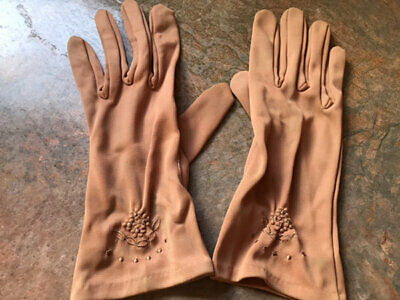 Vintage Gloves,22 + Pairs. Lovely Selection.