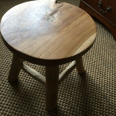 Beautiful Hand-made rustic hardwood Wooden Milking Stool Shabby Chic sturdy 2/2