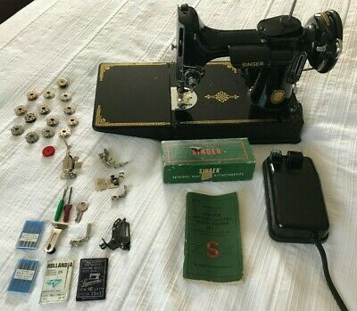 Vintage SINGER Featherweight Model 221-1 Sewing Machine 1952