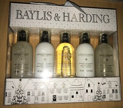 Baylis & Harding Sweet Mandarin and Grapefruit 5 Piece Bathing Gift Set
