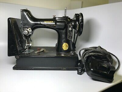 Vintage Singer Featherweight Sewing Machine AH579930 W/ Accessories & Case