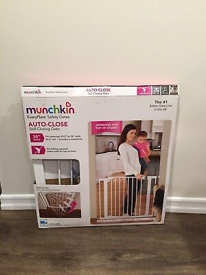Munchkin Auto Close Pressure Mount Baby Gate for Stairs, Hallways and Doors,...